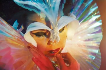 "Bjork - ""The Gate"" video"
